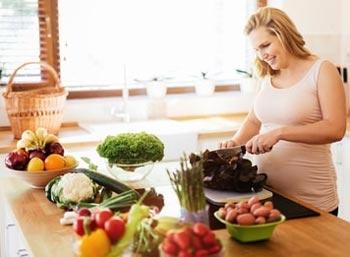 Как питаться беременной женщине во 2-ом триместре?