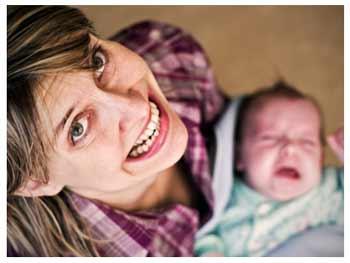 Новорождённые дети плачут, что делать