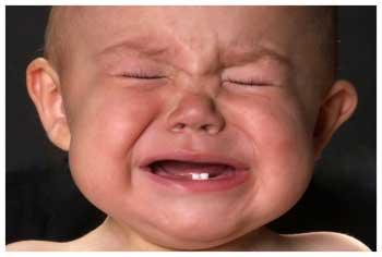 Причины плача новорождённого ребёнка