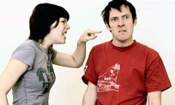 Почему муж ударил жену