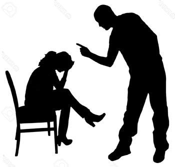 Мужчина оскорбляет и унижает жену