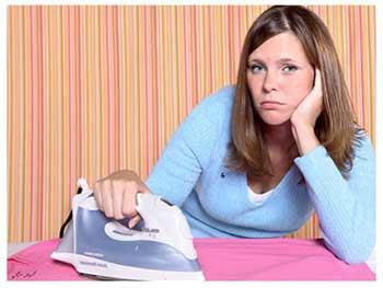 От чего зависит женщина-домохозяйка?